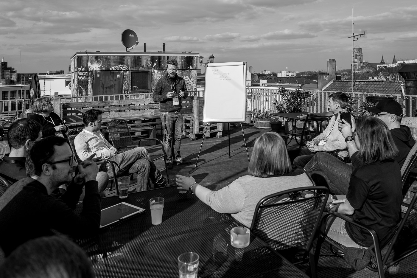 Berthold Barth on the roof terrace during his session about humane work