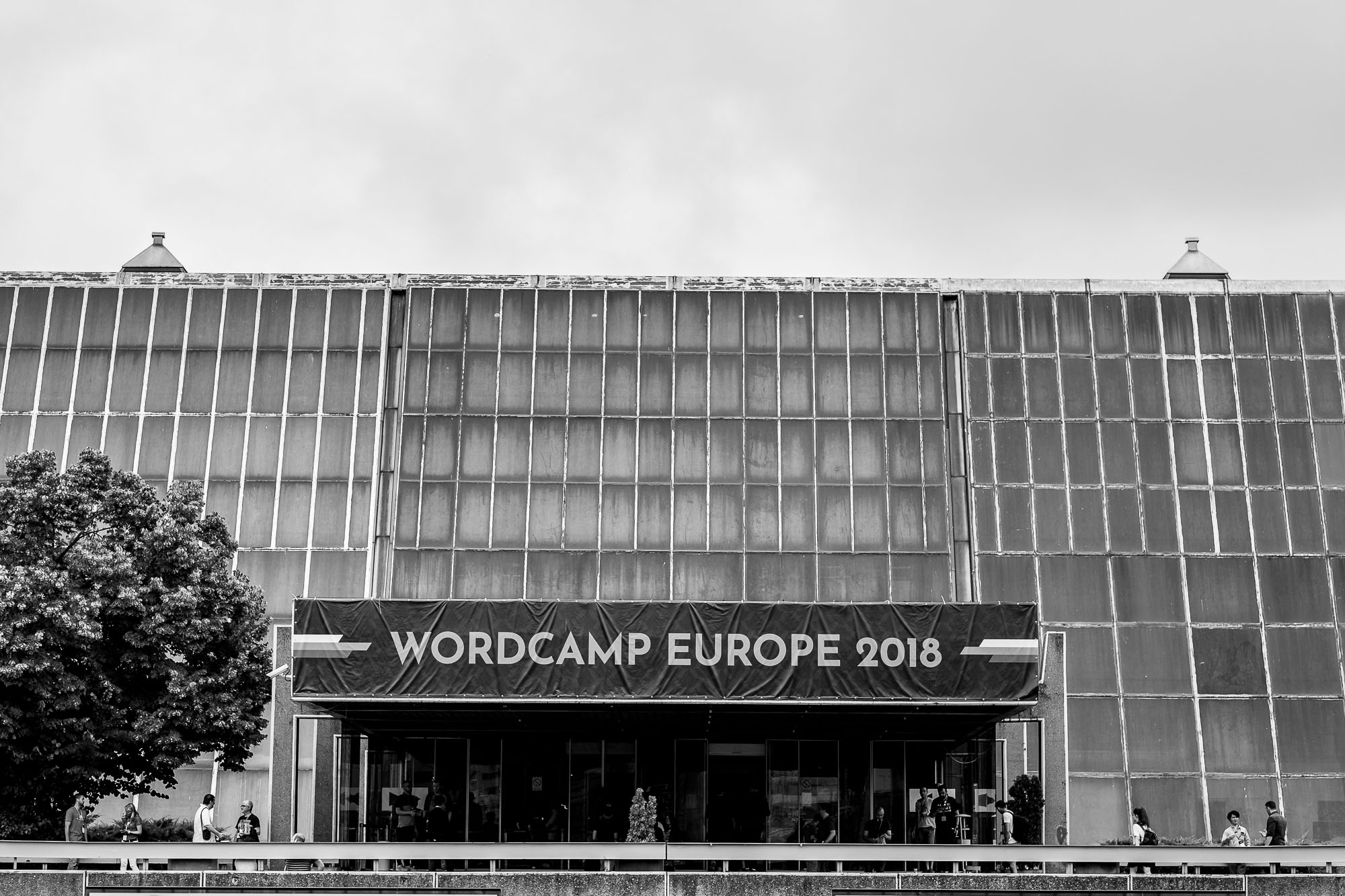The entrance to Sava Center with a huge WordCamp banner